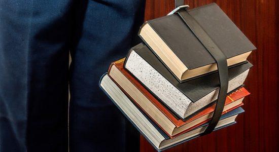 books-1012088_640-550x300